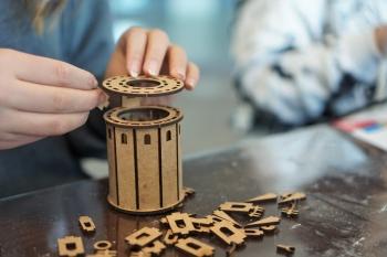 Ortaokul Öğrencilerimiz, Maker Lab Ahşap Derslerinde Galata Kulesi Yaptı